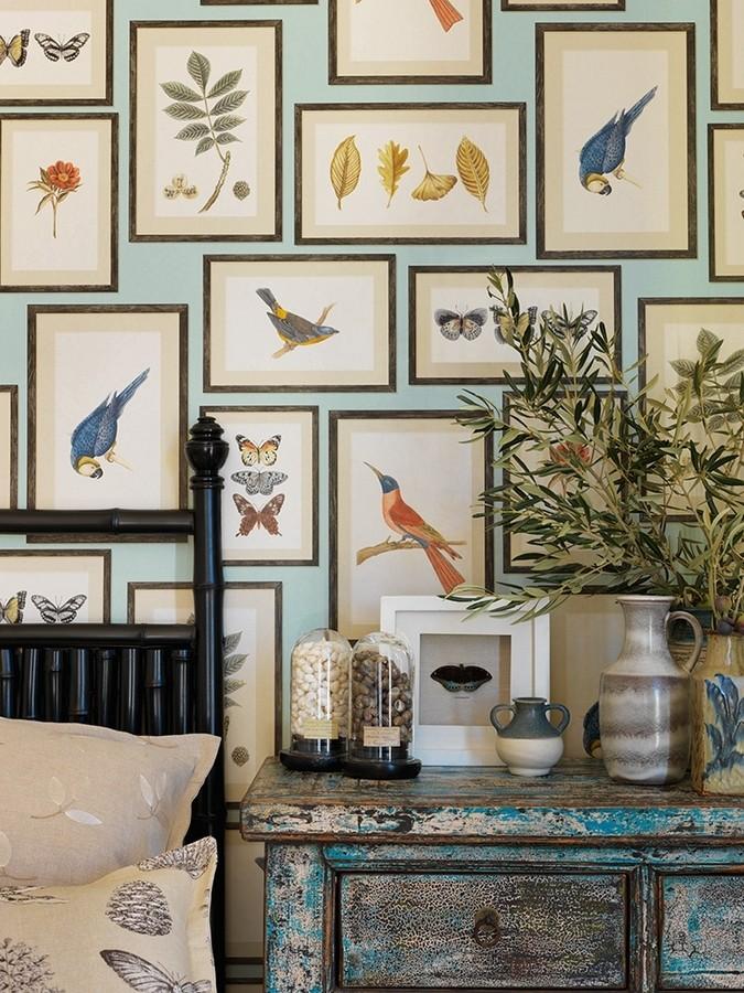 Papel pintado collage inglés de hojas y pájaros enmarcados Moray 565542