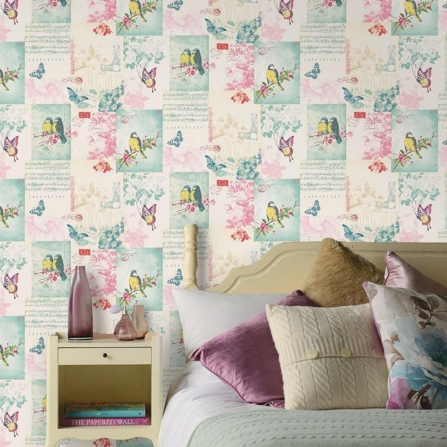 Papel pintado collage inglés de pájaros y mariposas rosa claro Giselle 564606