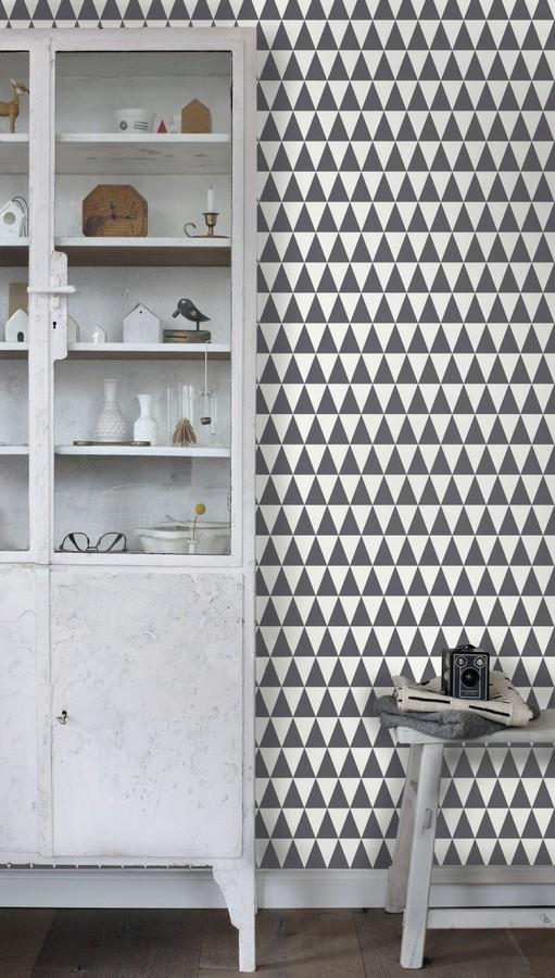 Papel pintado triángulos gris oscuro y blanco estilo nórdico Nordem Mountains 676919