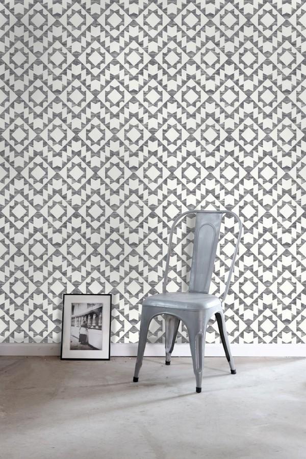 Papel pintado geométrico nórdico gris oscuro y blanco Nordem Kingdom 676924