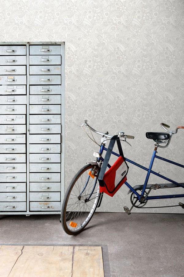Papel pintado mandalas gris claro y blanco estilo ibicenco Ibizan Flowers 676970