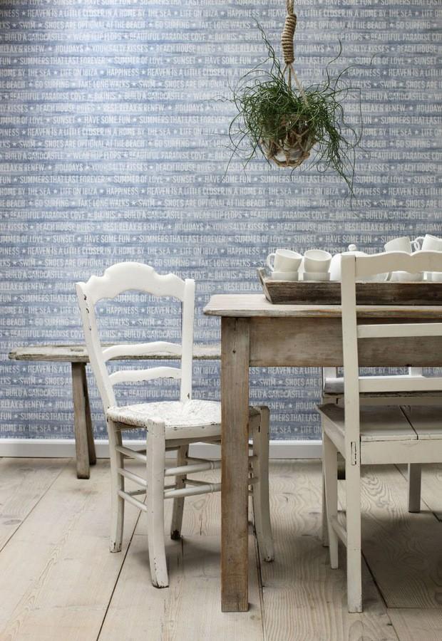 Papel pintado palabras positivas fondo azul marino Life on Ibiza 677000