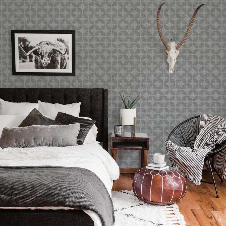 Papel pintado geométrico de círculos entrelazados tono gris oscuro Clarkson 679793